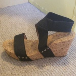 Cork wedges with black strappy bands